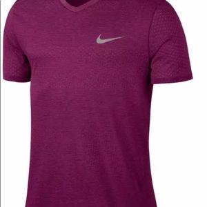 Nike Men's  Sz S Breathe Short Sleeve Running